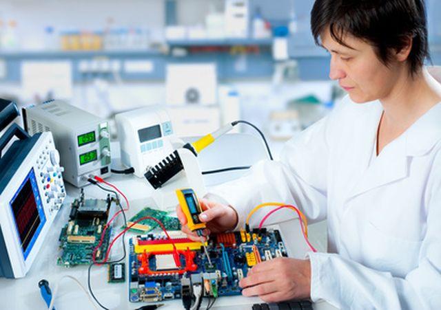 Reparatur einer Elektronik Komponente